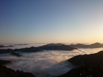 どこまでも続く雲海