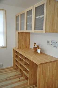 手作りの食器棚