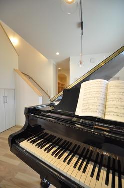 グランドピアノが置けるリビング