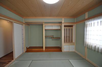 カーテンが似合う和室