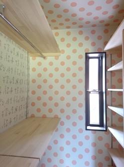 水玉模様の衣装部屋