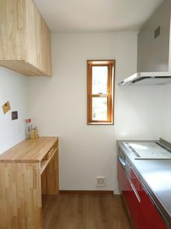 キッチンのゴミ箱置き場