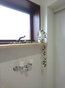 洗濯機置き場の棚
