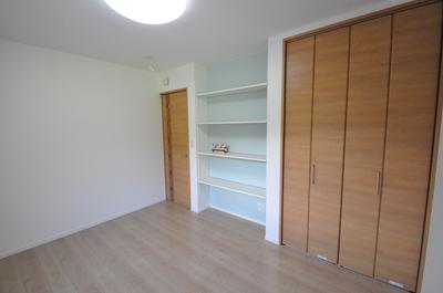造り付けの本棚 子ども部屋