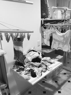 洗濯物を取り出す台